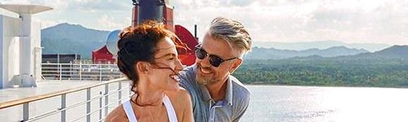 Paar auf Queen Mary 2