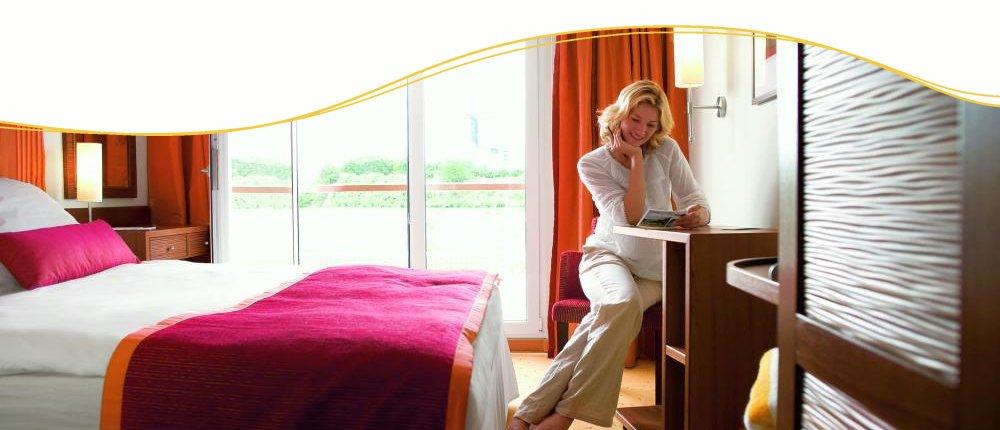 komfortable Kabinen mit französischem Balkon