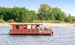 Hausboot-Urlaub. Schwimmende Ferienwohnung  (  (Mecklenburger Seenplatte))